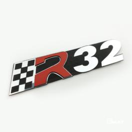 R32 Emblemat tylny