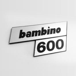 BAMBINO 600 Emblemat tylny